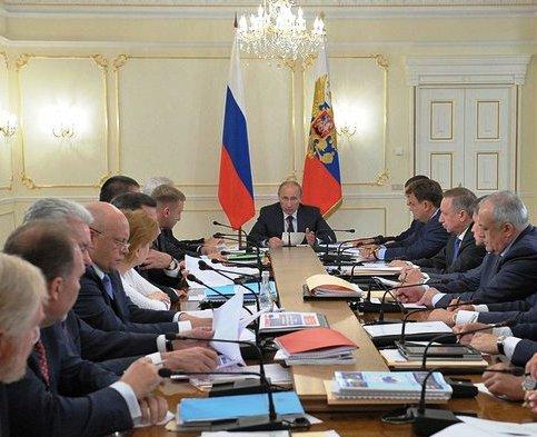 Президент Путин: 'важно развивать и поддерживать частную, платную медицину'