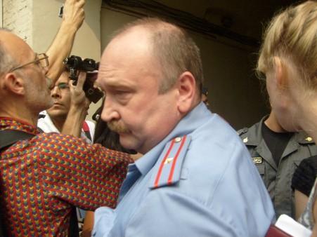 милиционер, который руководил расправой над Евгенией Чириковой, координатором Движения в защиту Химкинского леса