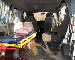 приспособленный, не соответствующий ГОСТу салон машины для перевозки больных