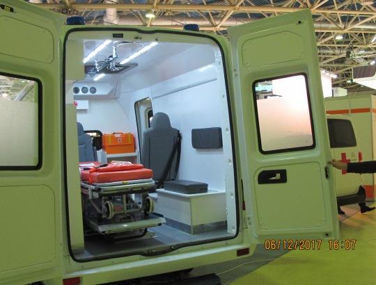 салон модуля для оказания неотложной медицинской помощи и перевозки больных на шасси «УАЗ Профи», модель 2017 года, компания «Автодом».