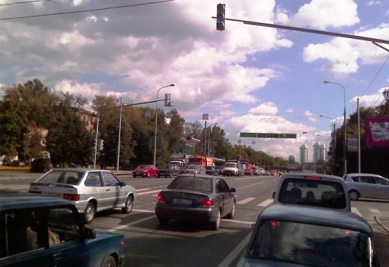 новый ненужный перекресток на Минской улице