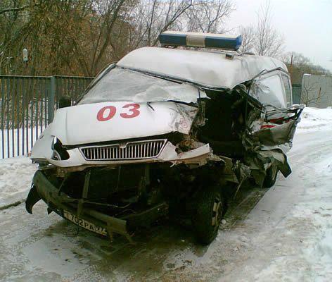 на скорой помощи Москвы резко выросла аварийность за счет требования быстрых доездов со спецсигналом